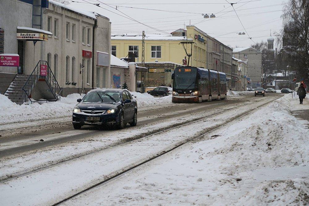 Трамвайные пути зимой в Риге