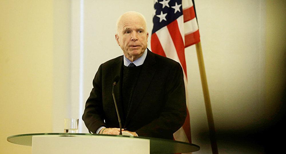 ASV senators Džons Makeins