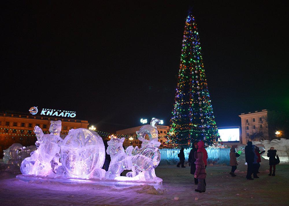 Jaungada eglīte Habarovskas centrā