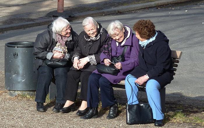 Vecāka gadagājuma sievietes. Foto no arhīva.