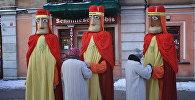 Trīs Karaļu kostīmi tiek gatavoti gājienam