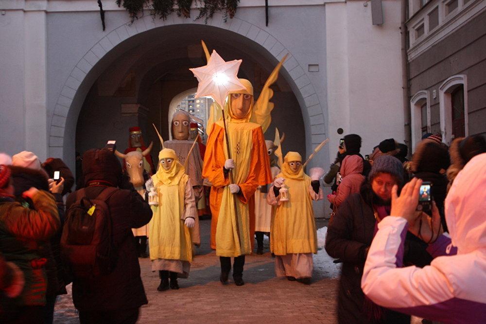 Trīs Karaļu gājiena svinīgā procesija Svētajos vārtos