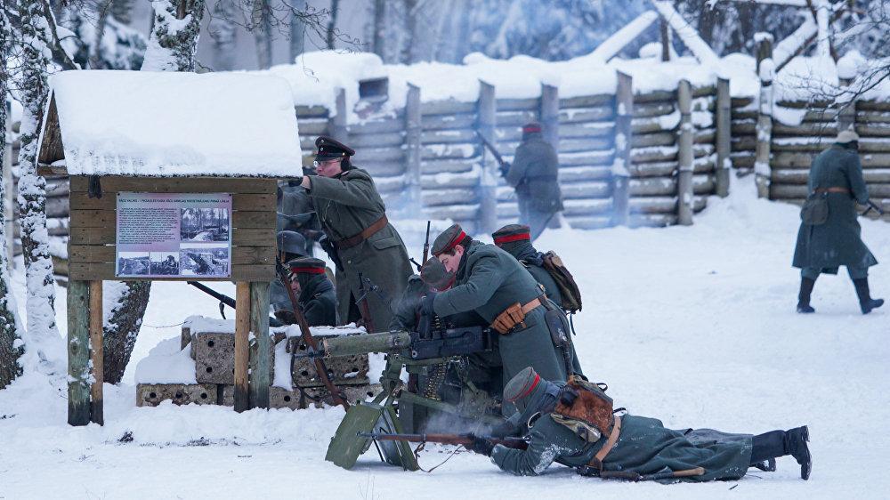 Vācieši aizsargājas latviešu strēlnieku uzbrukumā