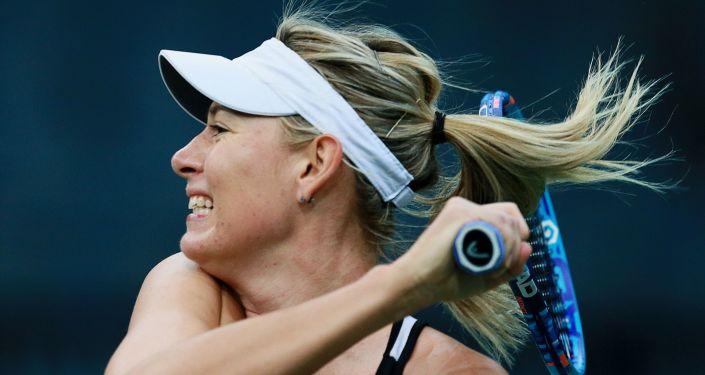 Marija Šarapova treniņā. Foto no arhīva