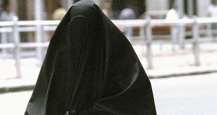Женщина в парандже. Архивное фото