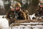 Военные во время учений
