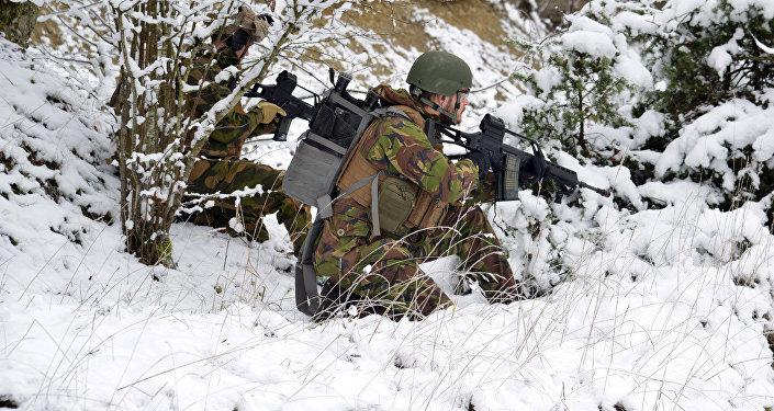 Karavīri mācību laikā