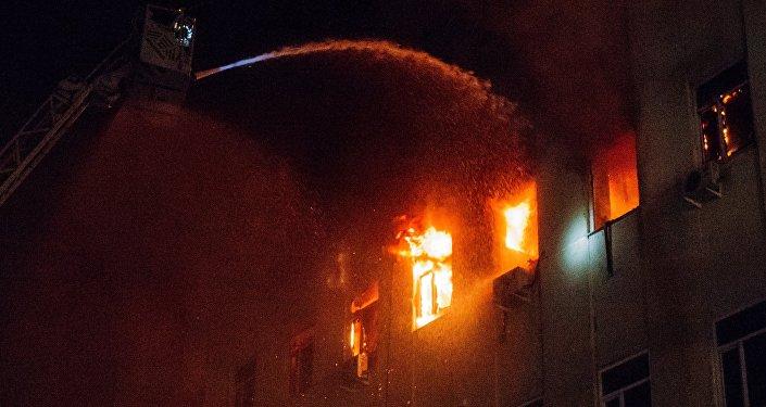 Архивное фото тушения пожара
