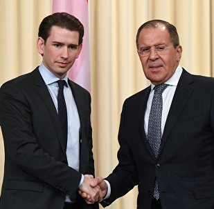 Министр иностранных дел РФ Сергей Лавров (справа) и Федеральный министр Европы, интеграции и иностранных дел Австрии Себастьян Курц