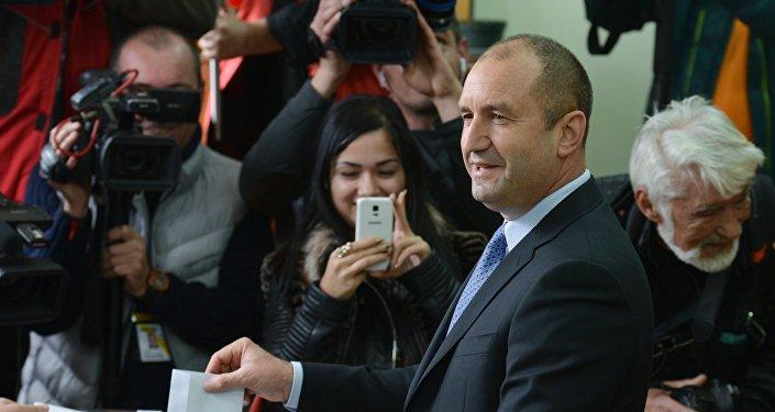 Bulgārijas jaunievēlētais prezidents Rumens Radevs