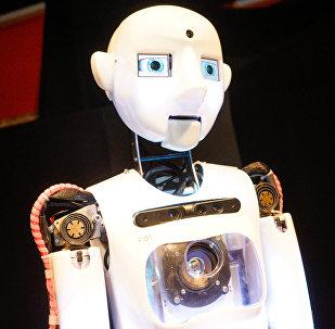 Роботы скоро заменят людей во всем, кроме творчества