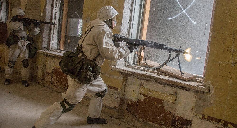Ložmetējnieku parādīšanās šokējusi Narvas iedzīvotājus