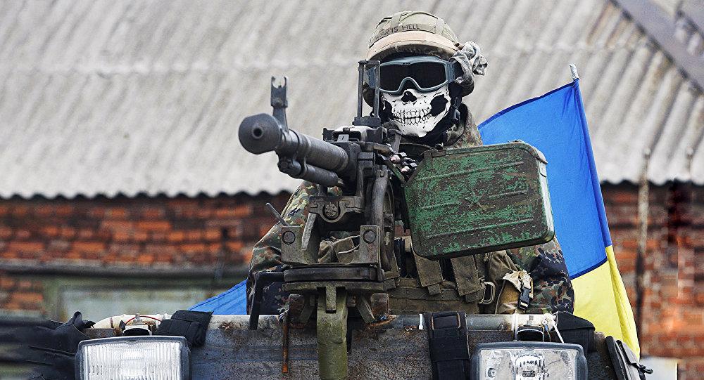 UBS karavīrs bruņumašīnā. Foto no arhīva