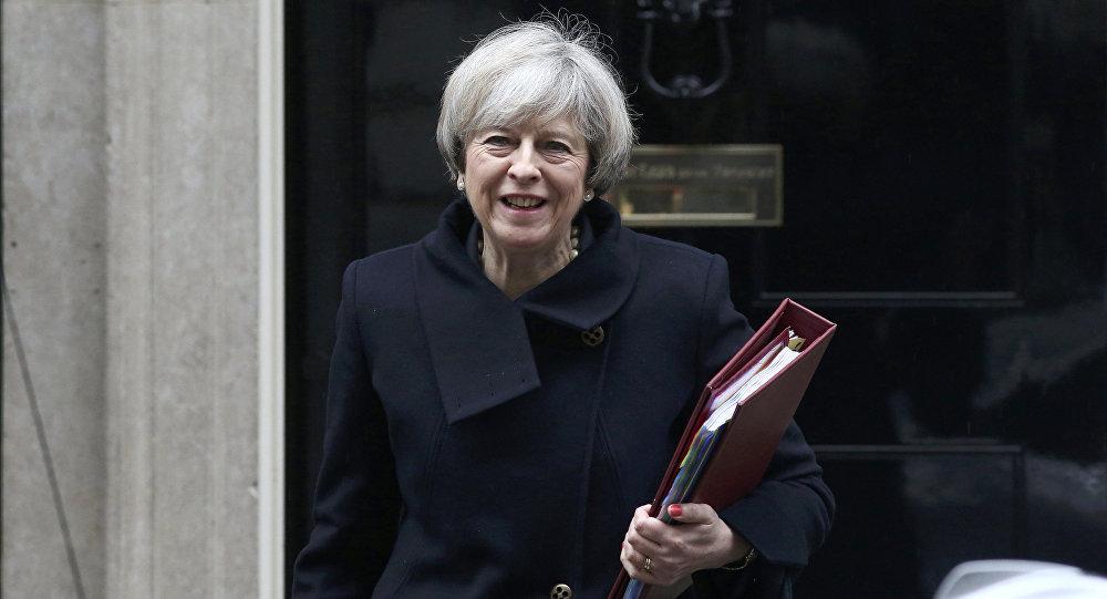 Премьер-министр Великобритании Тереза Мэй покидает Даунинг-Стрит 10 в Лондоне