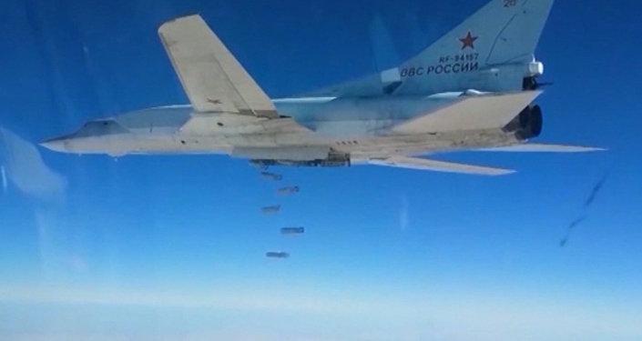 Krievijas bumbvedēju uzbrukums kaujinieku noliktavām Sīrijā