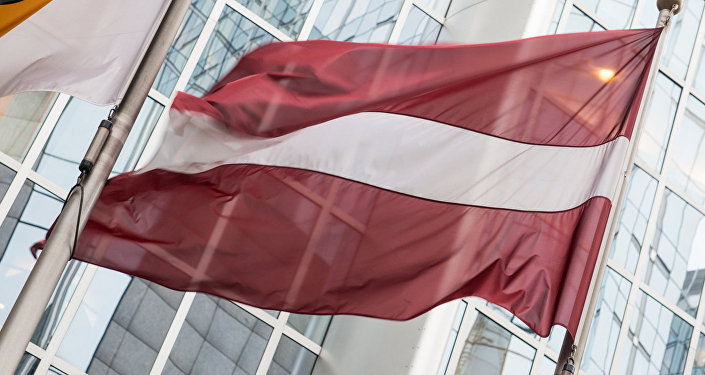 Флаг Латвии у Европарламента