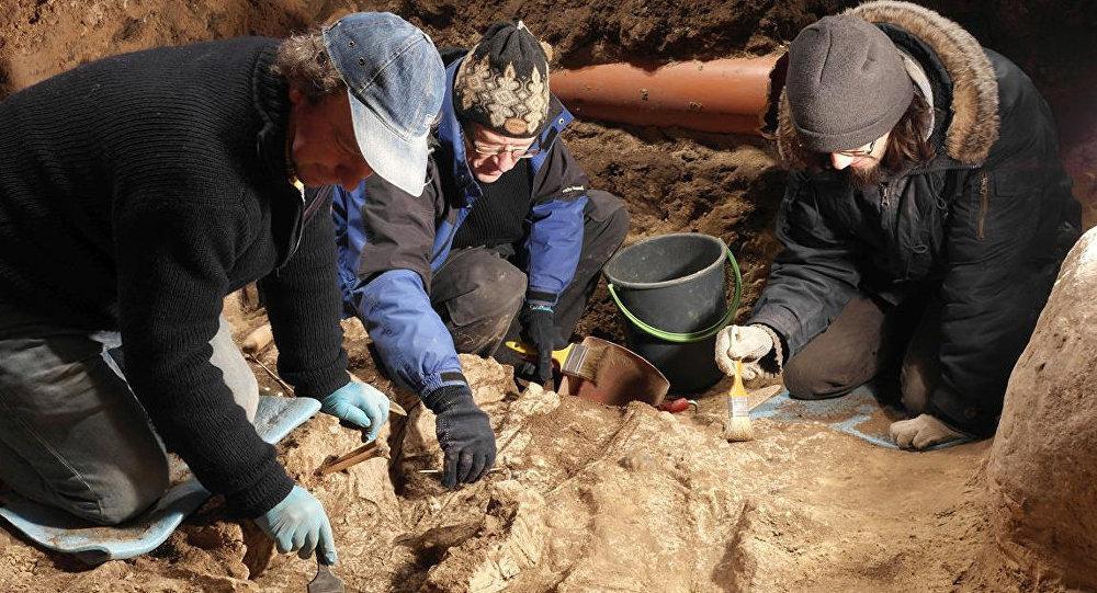 Неопознанные останки четырех человек найдены вцентре Вильнюса
