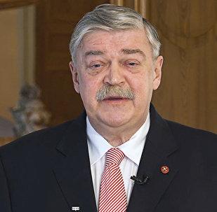 Spīd gaisma ĀM logos: Krievijas vēstnieka apsveikums Diplomāta dienā