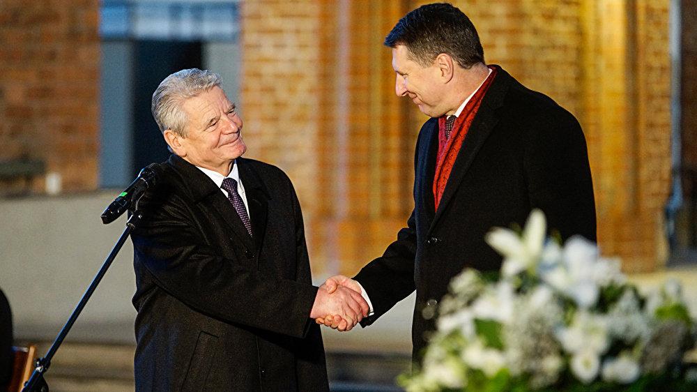 Президент Германии Йоахим Гаук и президент Латвии Раймондс Вейонис