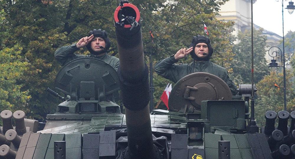 Польский танкисты на танке