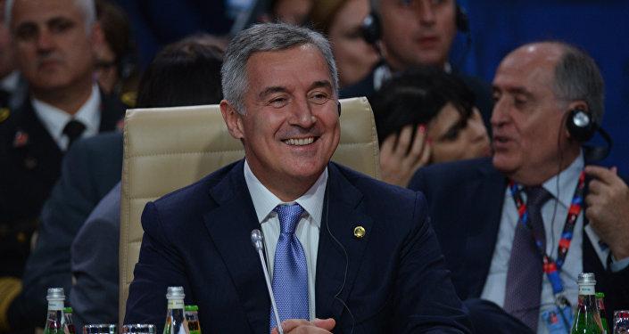 Премьер-министр Черногории Мило Джуканович во время саммита НАТО в Варшаве