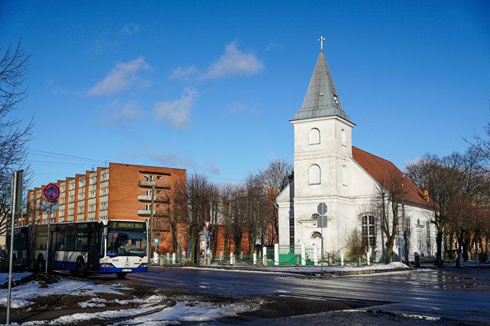 Белая церковь в Вецмилгрависе