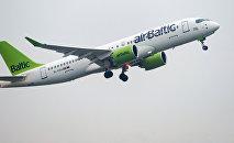 Boeing 737-36Q, AirBaltic
