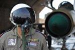 Сирийский летчик на авиабазе Хама