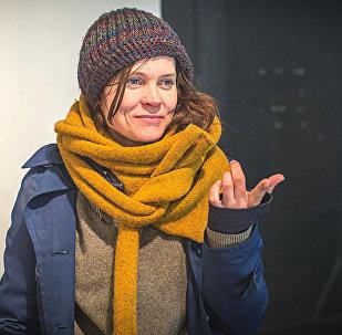 Девушка на улицах Таллина