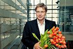 Мэр Риги Нил Ушаков с цветами