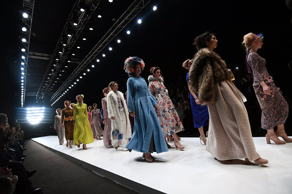 Mercedes-Benz Fashion Week Russia. Сезон осень-зима 2017-2018. День третий