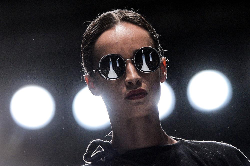 Mercedes-Benz Fashion Week Russia. Сезон осень-зима 2017-2018. День второй