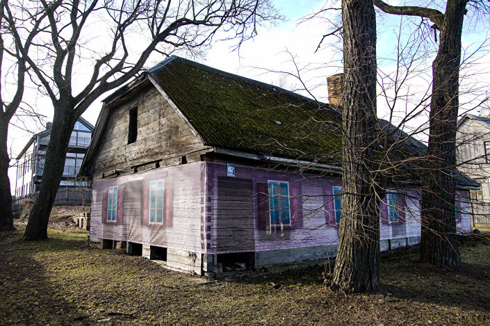 Заброшенный деревянный дом на Кипсале