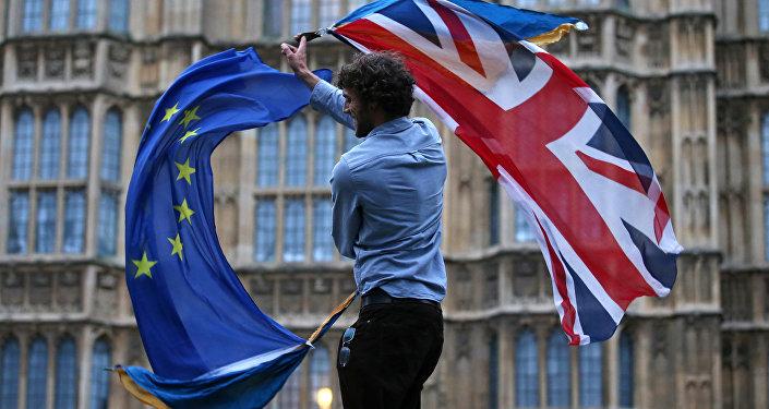 Британский парламент будет распущен 3мая