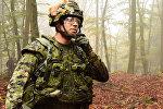 Канадский солдат во время учений, архивное фото