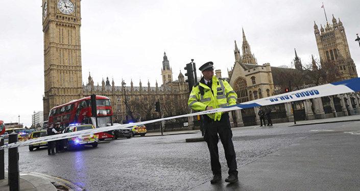 Policists terorakta vietā Londonā