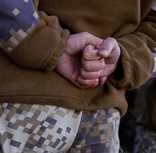 Латвийский военный в строю