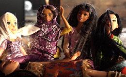 ASV iedzīvotāja pēc pasūtījuma šuj hidžabus lellēm Barbie