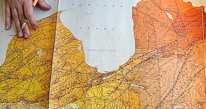 Kristāliskā fundamenta karte dažādos Rīgas rajonos