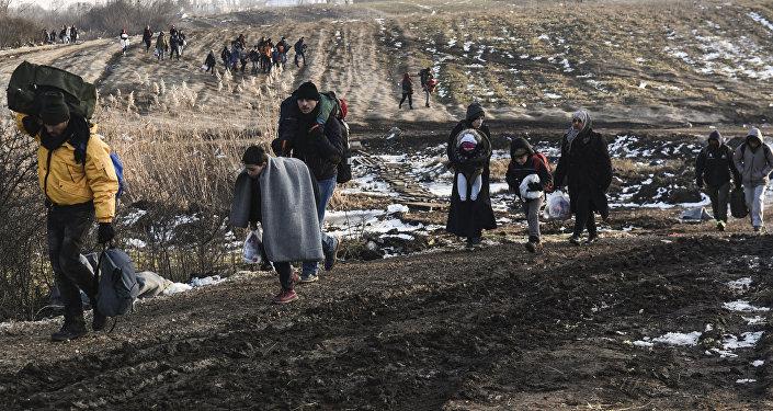 Bēgļi dodas uz Eiropu. Foto no arhīva