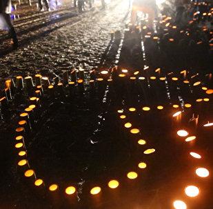 Japāņi iededzināja sveces 2011. gada zemestrīces un cunami upuru piemiņai.
