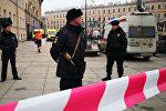 Ситуация у станции метро Технологический институт в Санкт-Петербурге, 3 апреля 2017