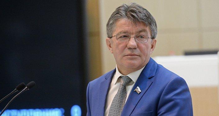 Шредер объявил, что Киев ведет войну против Донбасса