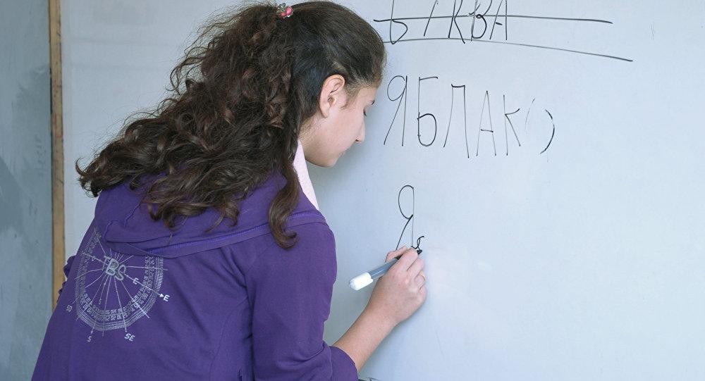 Krievu valodas ietekme Latvijā un Igaunijā mazinās