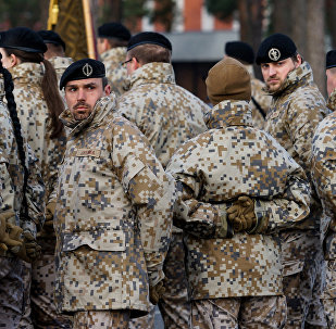 Latvijas armijas karavīri ierindā
