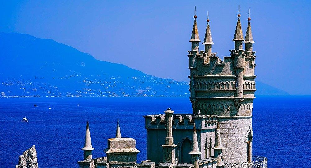 Krima, Bezdelīgas ligzdas pils