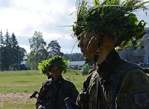 Lietuvas karavīri mācību laikā