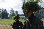 Литовские солдаты во время учений, архивное фото