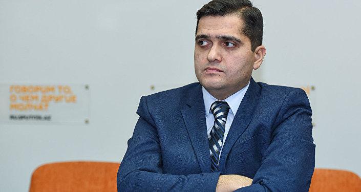 Политолог Эльхан Шахиноглу