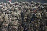 Военнослужащие НАТО, архивное фото